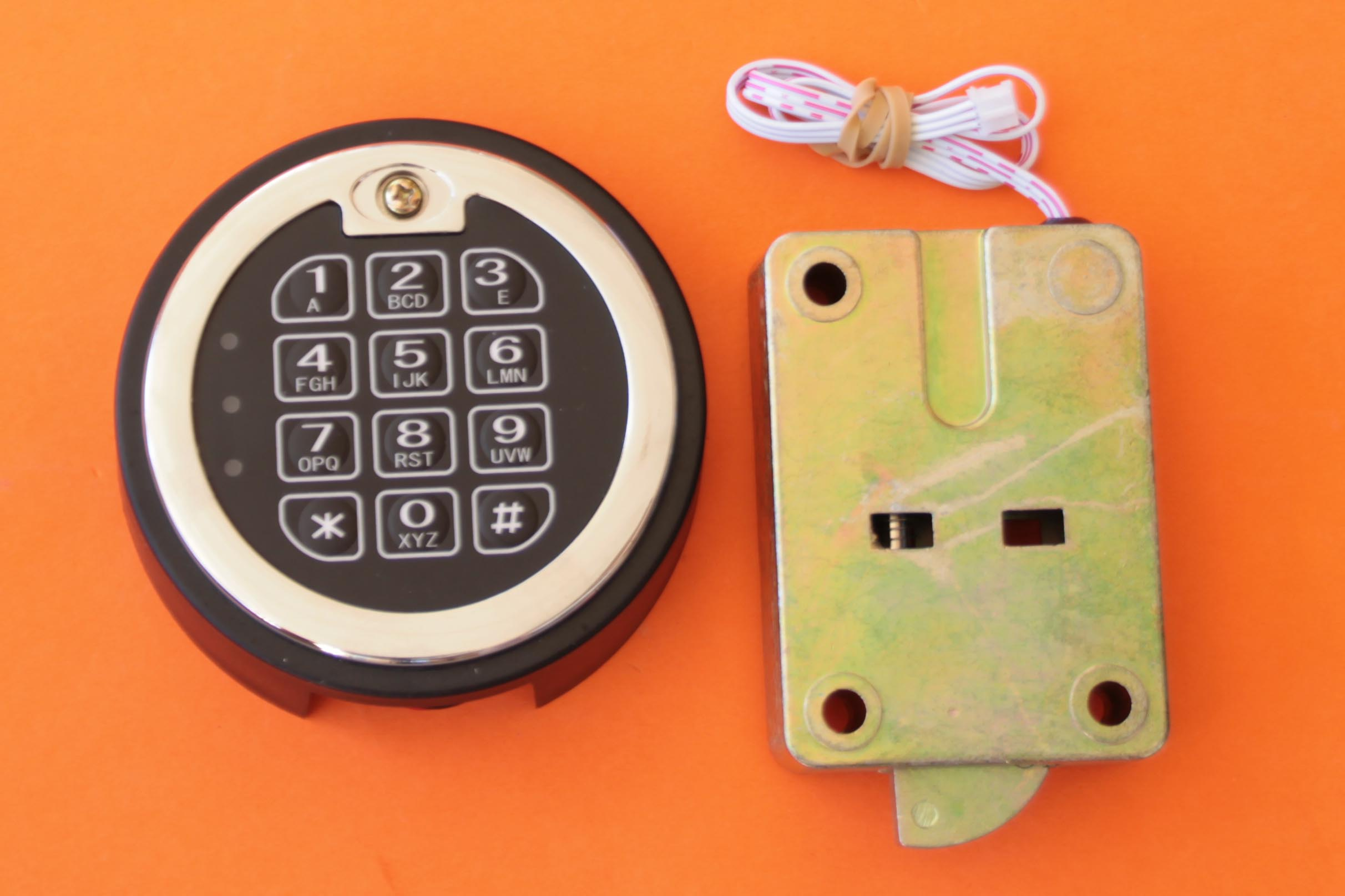 West Coast Hardware Import Locks Combination Lock Using Pic16f84 Electronic Keypad Safe Swing Bolt